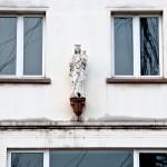 Vervallen Mariabeeld in Antwerpen