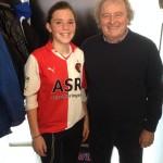 En door Ruud mocht Estelle op de foto met de levende legende Mister Feyenoord Wim Jansen!