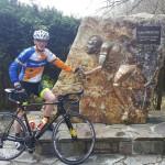 Norbert bij het monument Eddy Merckx (Stockeu)