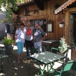 Laurence, Spookrijder en Pierre van Auberge de la Forêt (Alpe d'Huzes 2015)