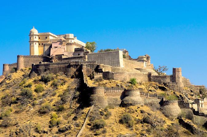private-tour-ranakpur-and-kumbhalgarh-fort-day-tour-from-udaipur-in-udaipur-209158