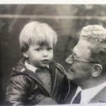 Bij Opa, zijn held!