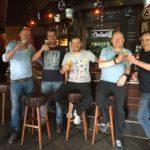 Café De Smed (v.l.n.r.) Marc, Erwin, de Spookrijder, Ruud, Carlos